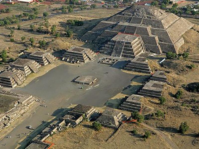 Balade en montgolfière sur les pyramides de Teotihuacan