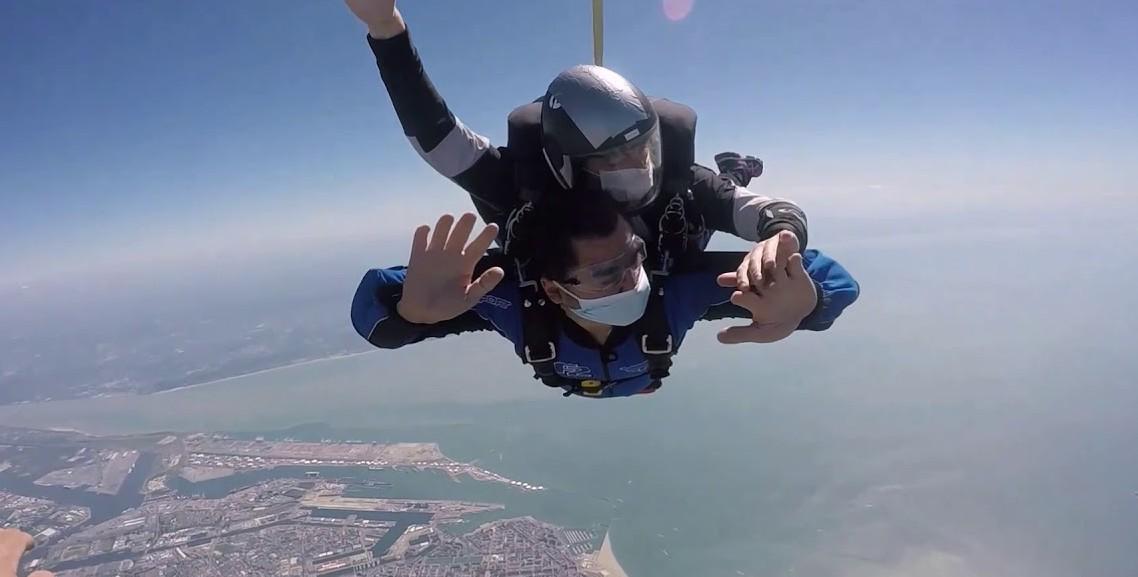 Normandie : Un saut en parachute pour faire le plein de sensations fortes